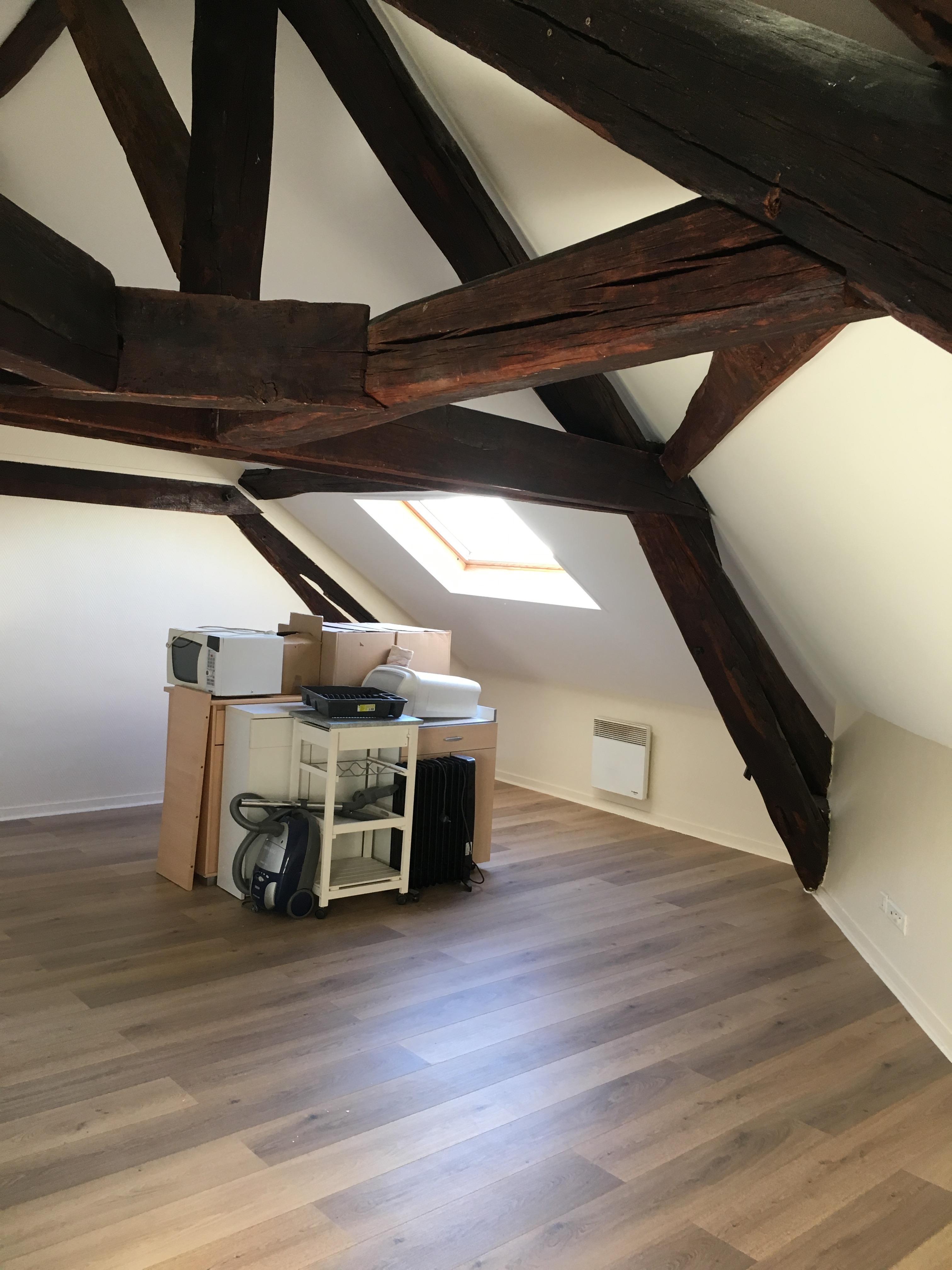 Location appartement 1 pièces 30m², Voisins le Bretonneux