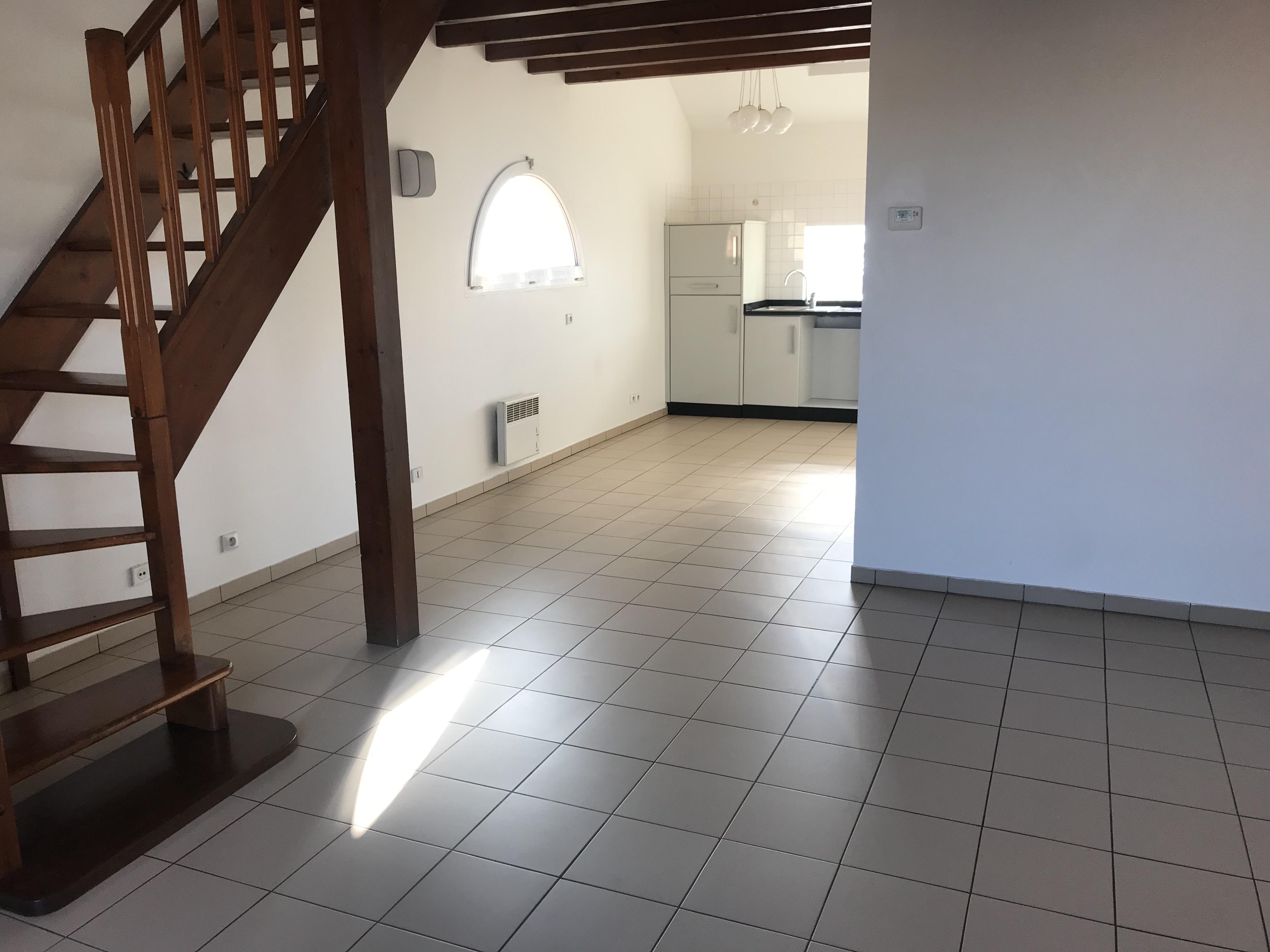 Appartement 2 pièces en duplex à Voisins le Bretonneux